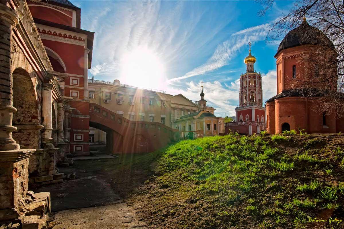 Monastery diner Putintours Moscow