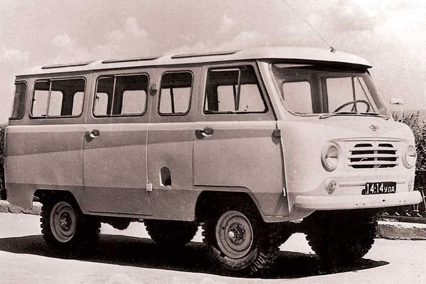 Put-in-tour-van