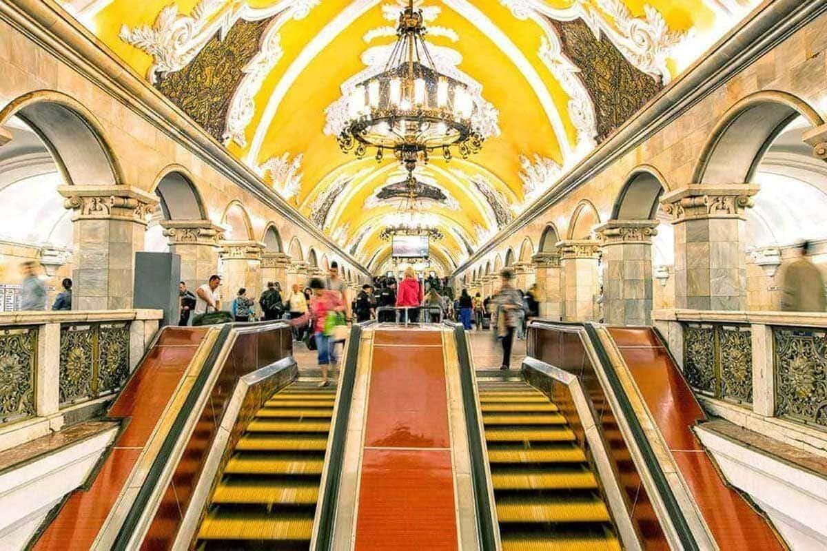 Putintours metro tour Moscow
