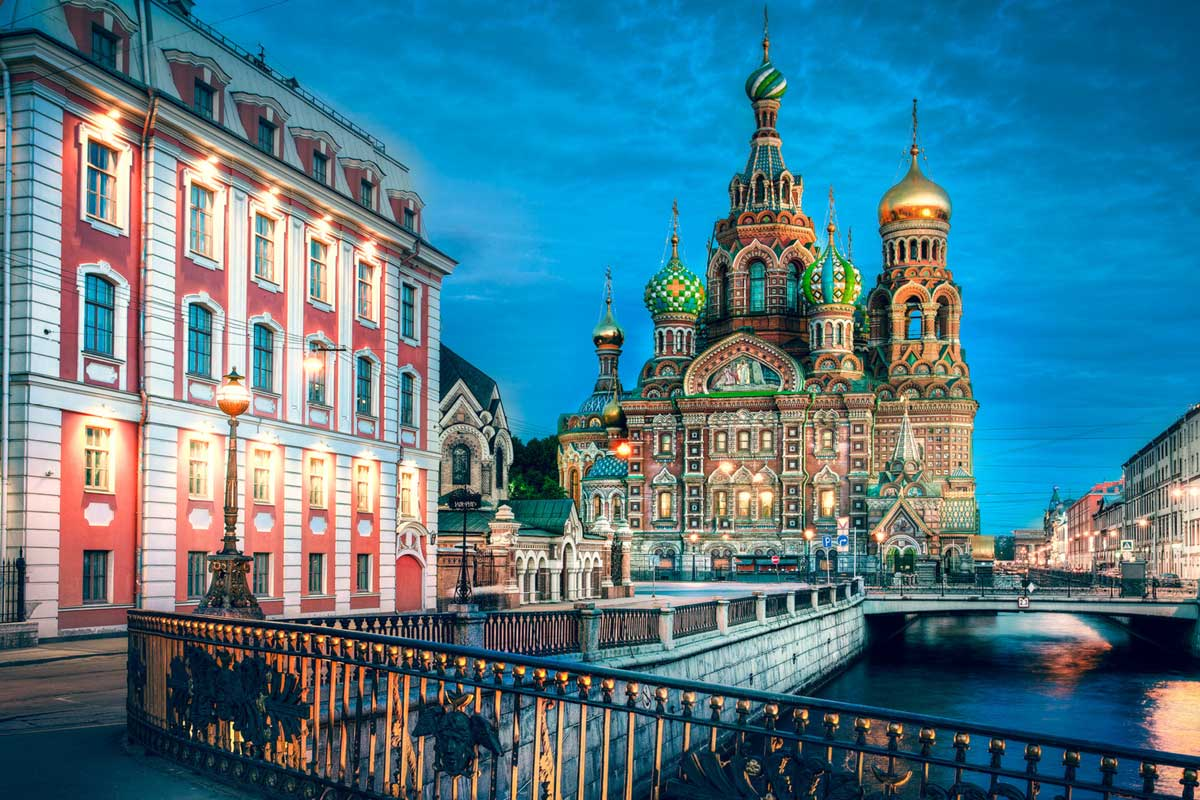 Night tour putintours Saint Petersburg